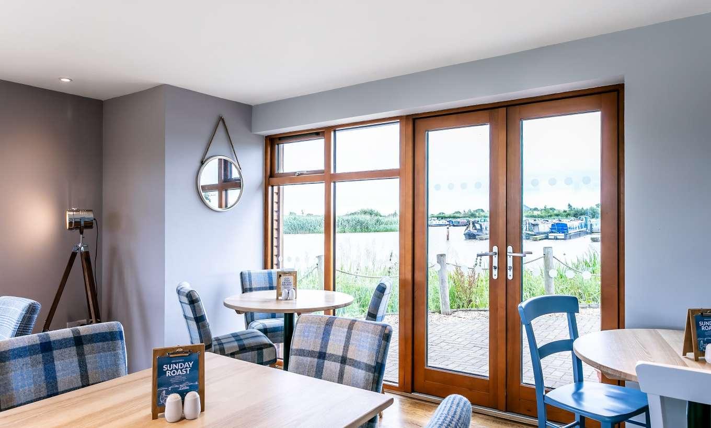 Tattenhall Boathouse Café Bar 3 Min